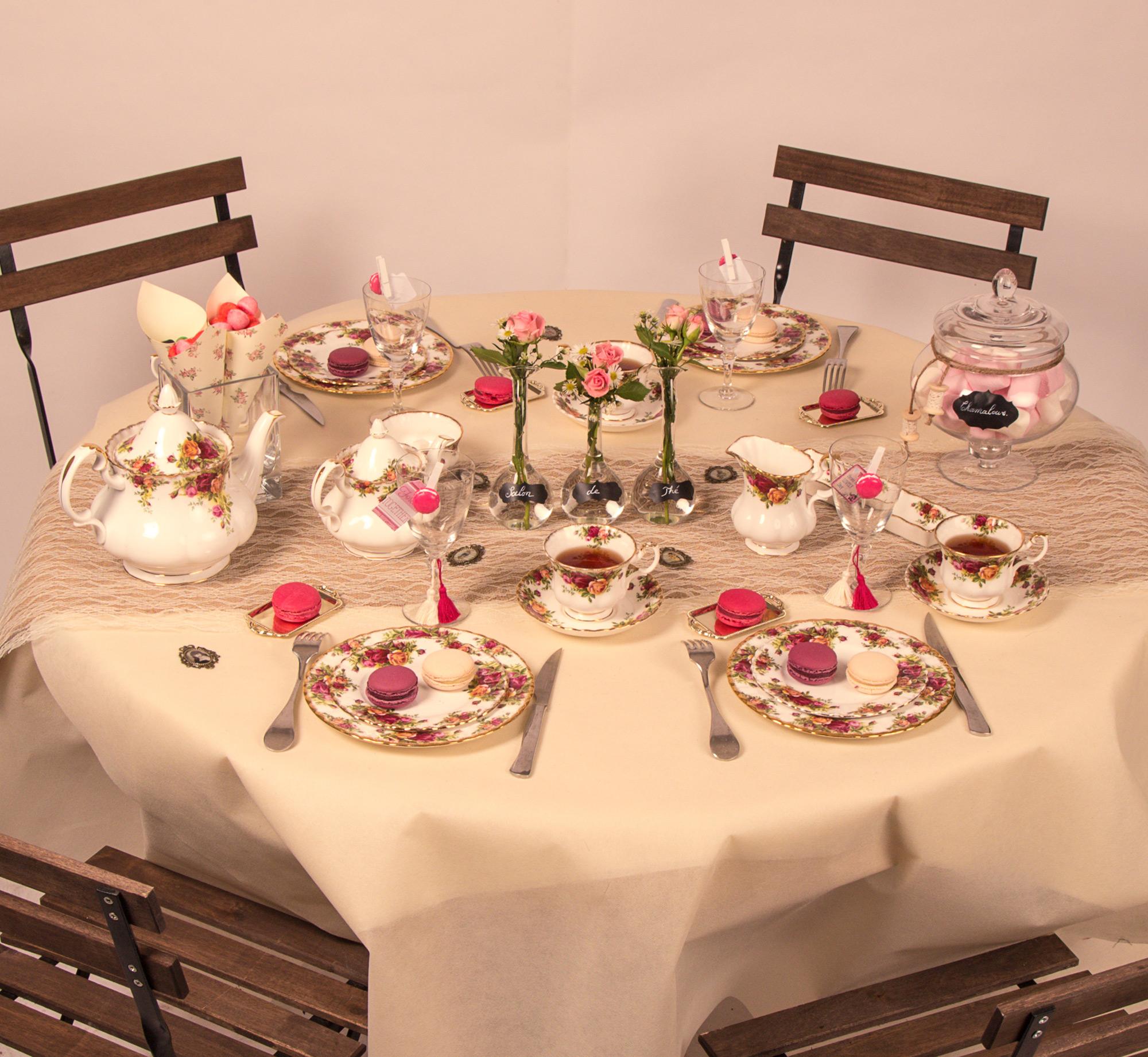 Chemin de table fa on dentelle r tro blanche d coration for Chemin de table personnalise