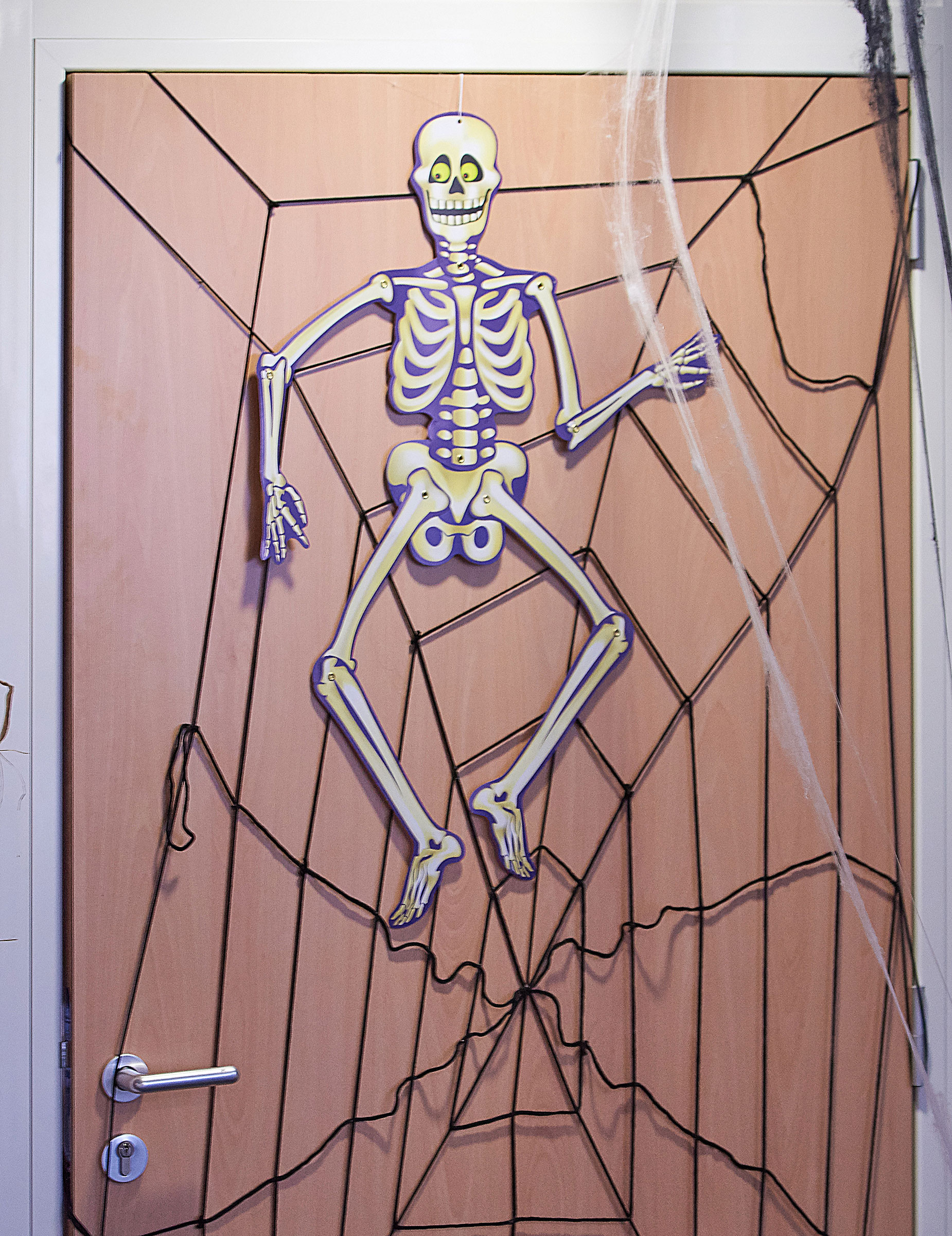 Squelette de d coration suspendre halloween d coration for Decoration a suspendre