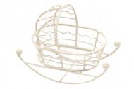 Petit berceau en métal blanc 9 x 5 cm