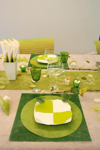 20 Petites serviettes coeur en papier vert 9 x 12 cm-1