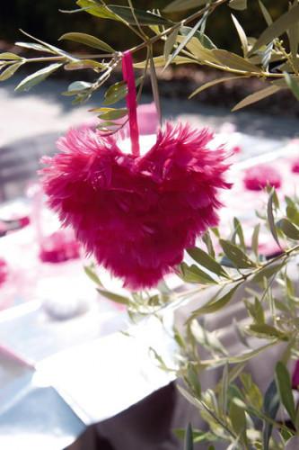 Coeur en plumes fuchsia-1