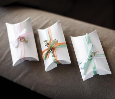 10 boîtes cartons blanches nacrées-1