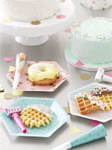 12 Petites assiettes en carton Party time 18 cm-1