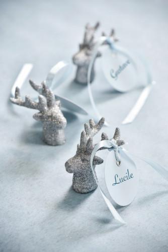 2 Petites figurines rennes argentés-1