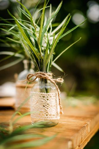 Petit vase en verre et dentelle 10 cm-1