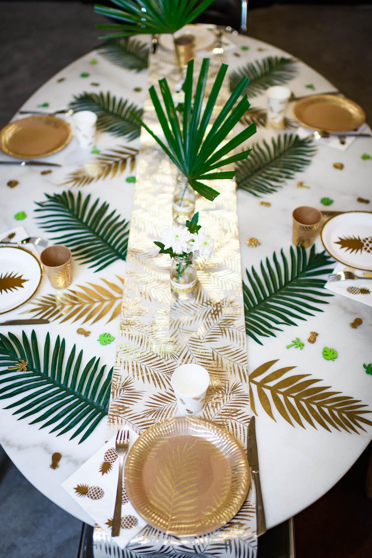 chemin de table en lin palmier dor 28 cm x 5 m d coration anniversaire et f tes th me sur. Black Bedroom Furniture Sets. Home Design Ideas