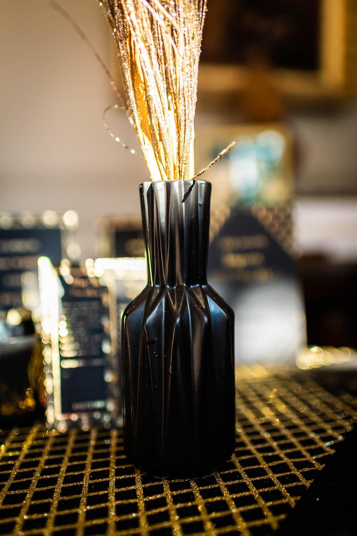 chemin de table en lin noir losanges paillet s dor s 28 cm x 3 m d coration anniversaire et. Black Bedroom Furniture Sets. Home Design Ideas