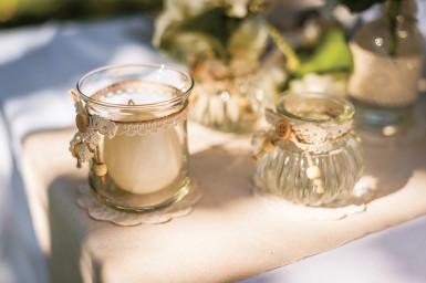 Petit vase à l'ancienne en verre avec liens dentelle-1