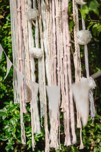 Tenture rose, blanc et ivoire 60 x 108 cm-1