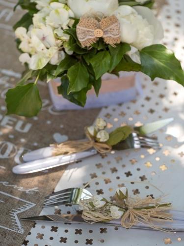 2 Mini bouquets en papier de roses ivoires 12 cm-1
