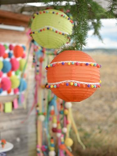 Ruban de pompons multicolores 2m-1