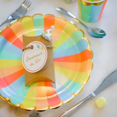 8 Assiettes en carton Berlingot pastel et dorure 23 cm-1