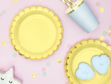 6 Petites assiettes en carton jaune et dorure 18 cm-2
