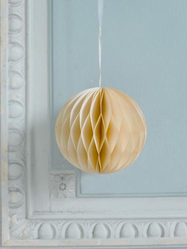 Boule à suspendre en papier alvéolé crème 15 cm-1