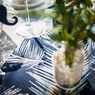 Chemin de table en lin bleu marine fougères dorées 28 cm x 5 m-2
