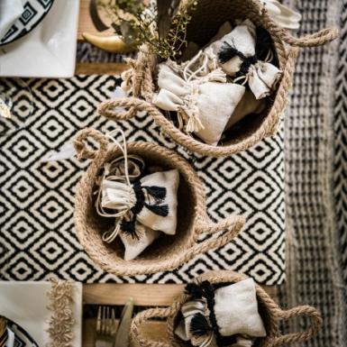 4 Pochons ethnique lin pompons ivoire 8 x 10 cm-2