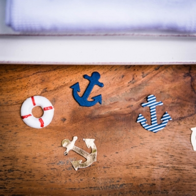 100 Confettis ancre or, marine et marinière 2,5 cm-1