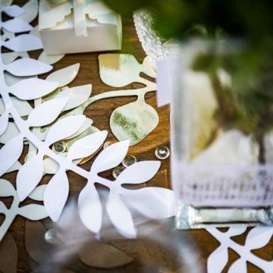 6 Feuilles fougères et eucalyptus blanches et or 30 cm-1