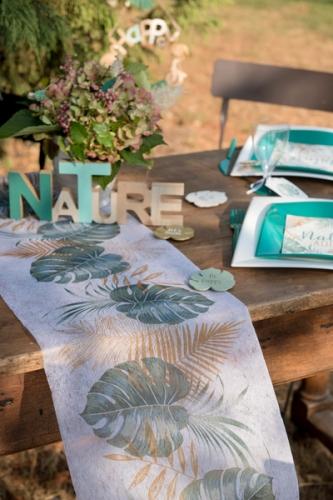 Chemin de table intissé feuilles tropicales vert et doré 30 cm x 5 m-1