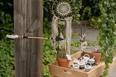 Suspension en bois et plume Flèche 47 x 5,5 x 16 cm-1