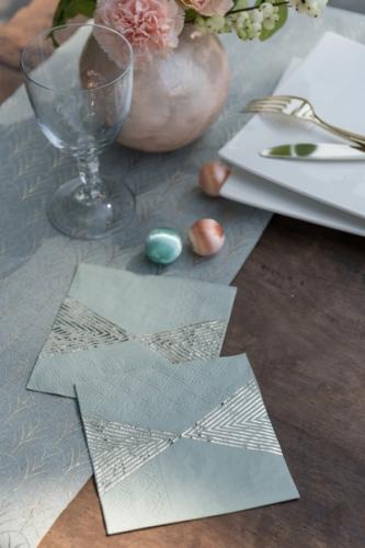 20 Petites serviettes en papier striées métallisés vertes 25 x 25 cm-1