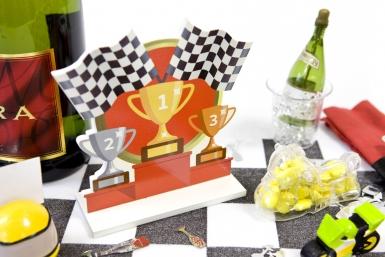 Centre de table en bois podium course automobile 12,2 x 13 cm-1