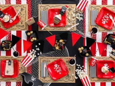 6 Assiettes en carton fête de pirate rouges 20 cm-2