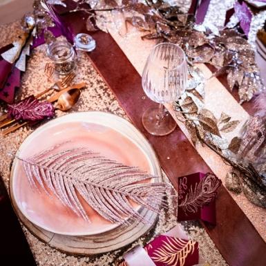 Chemin de table en velours rose poudré luxe 30 cm x 2,5 m-1