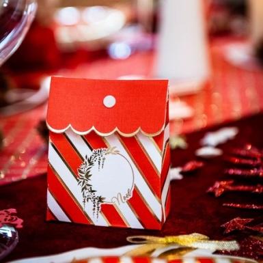 8 Contenants en carton rouge et blanc avec nœud or 7 x 8,5 cm-1