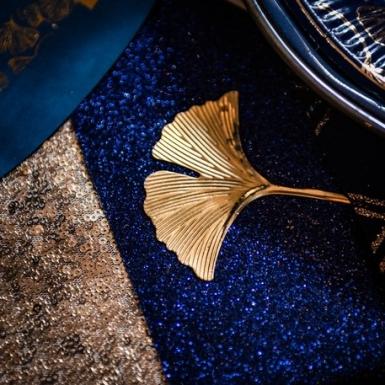 Chemin de table étincelant bleu marine 28 cm x 3 m-1
