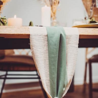 Chemin de table mousseline vert de gris 28 cm x 5 m-1