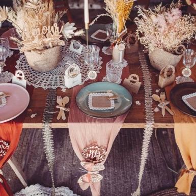 Chemin de table gaze de coton vieux rose 30 cm x 3 m-2