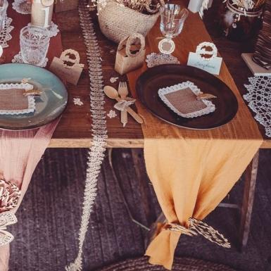 Chemin de table gaze de coton moutarde 30 cm x 3 m-1