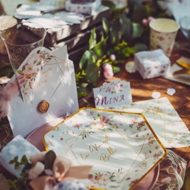 8 Assiettes en carton aquarelle la vie est belle dorées 23 cm-2