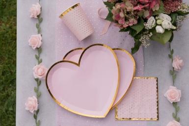 10 Assiettes carton cœur rose et or 22,5 x 20 cm-1