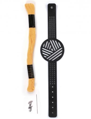 Kit bracelet à broder cuir noir motifs géométriques-1